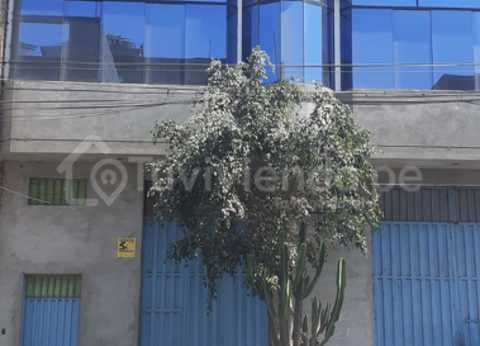 ALQUILER LOCAL COMERCIAL O INDUSTRIAL